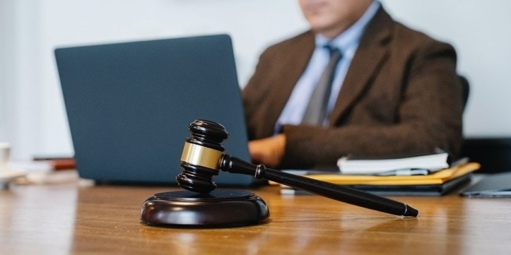 A Complete Guide to Help You Choose the Best Criminal Lawyer